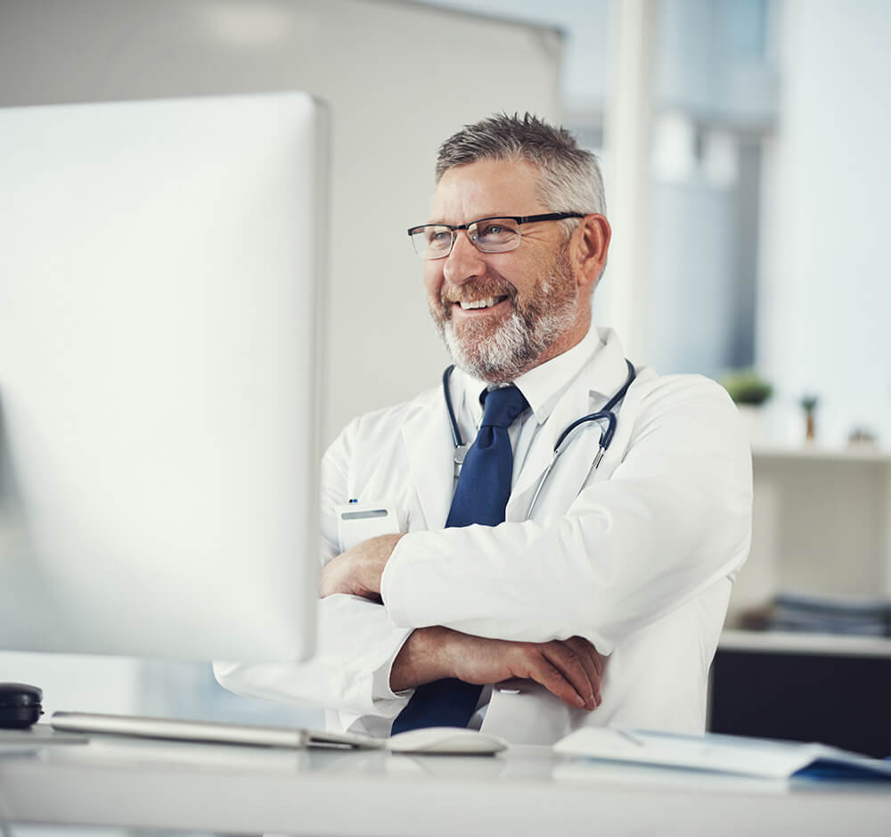 Physician using verbal commands to control Expanse software
